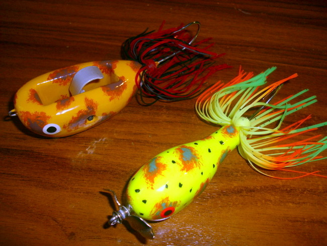 Two pad walking lures