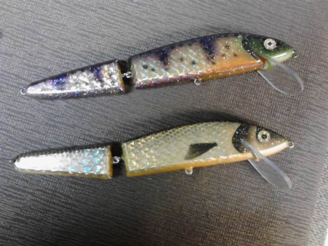 gold foiled and painted perch and golden shiner jointed muskie baits