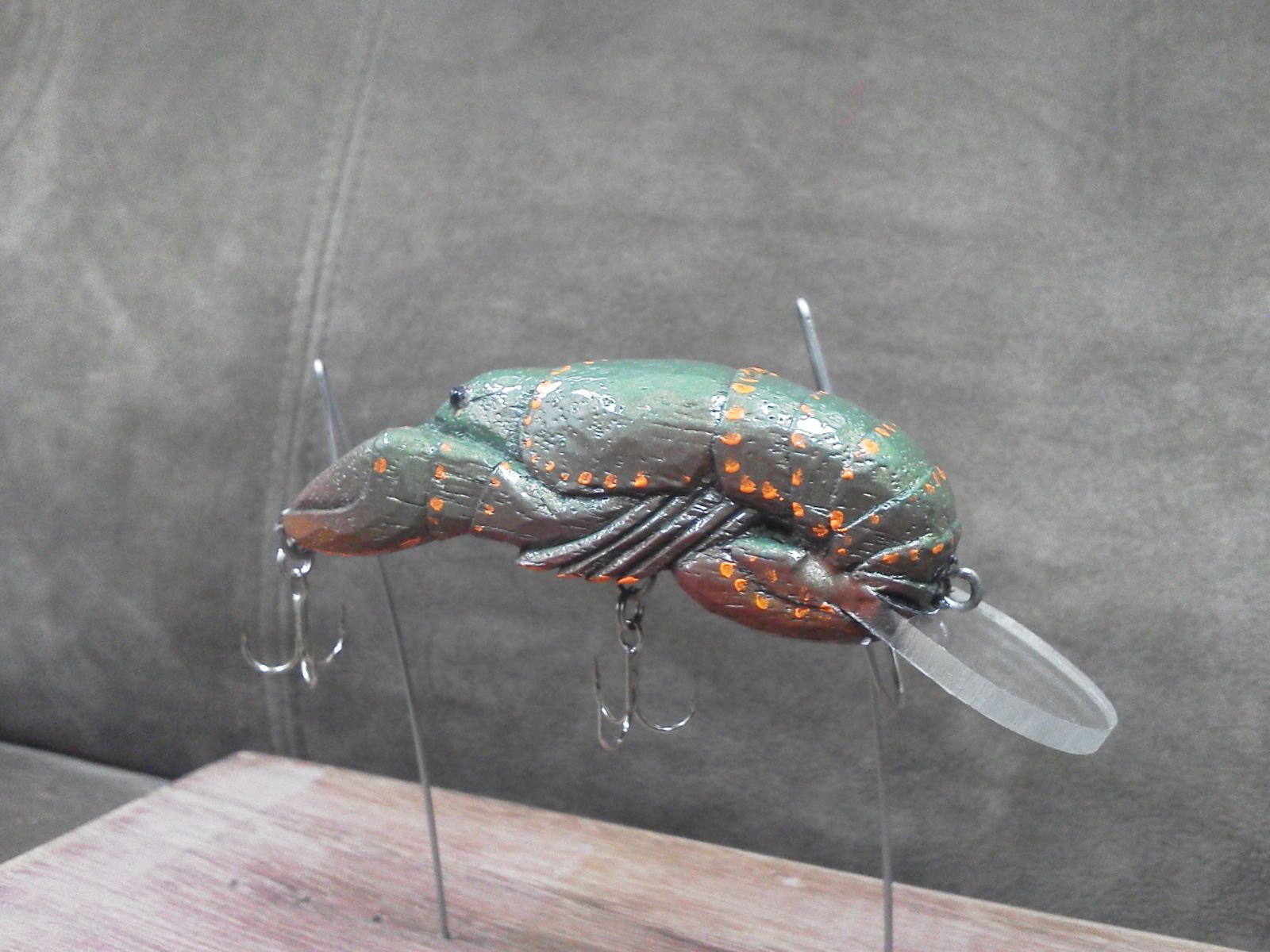 Carved craw