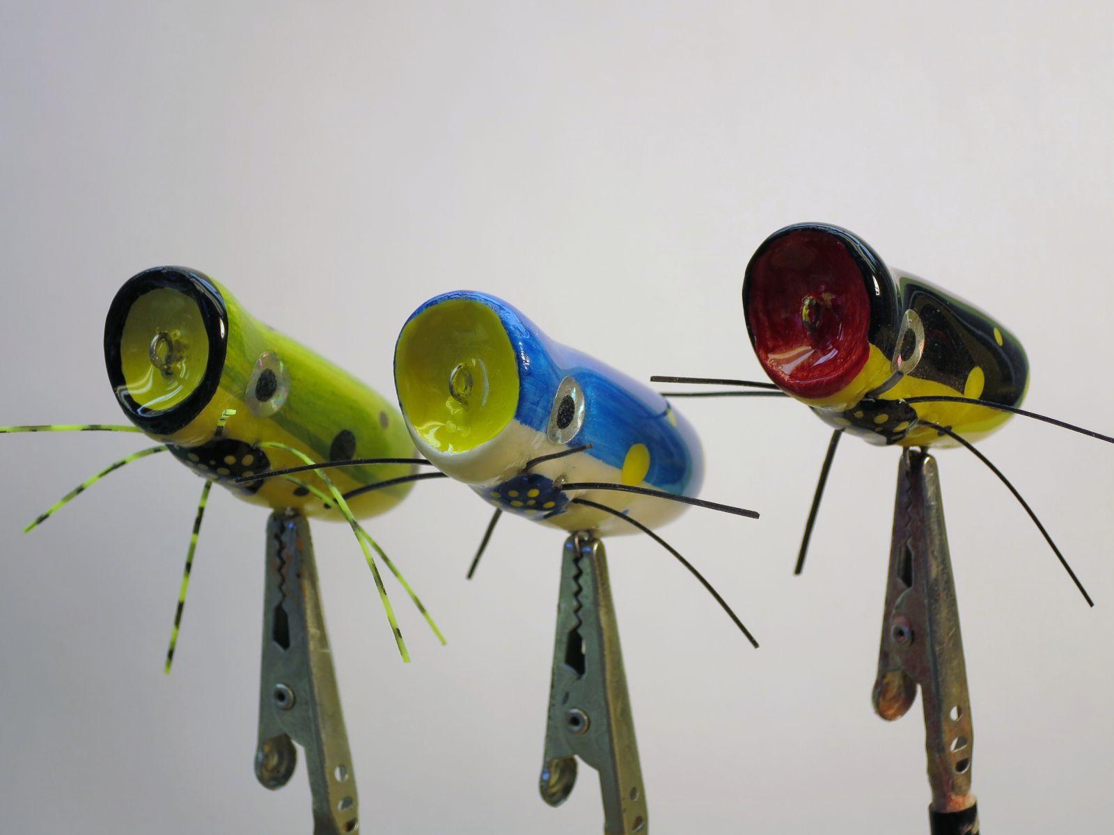 Solar Powered Vibrating Popper Bugs
