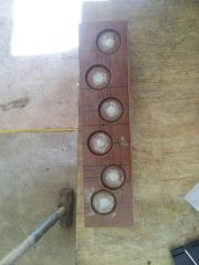 round tail flap mold