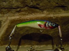 Cross rattle jerk bait