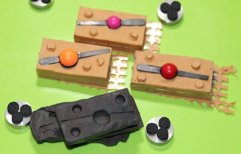 modelvox.thumb.JPG.a34a5e56381f930a6e8ee76d853543a5.JPG